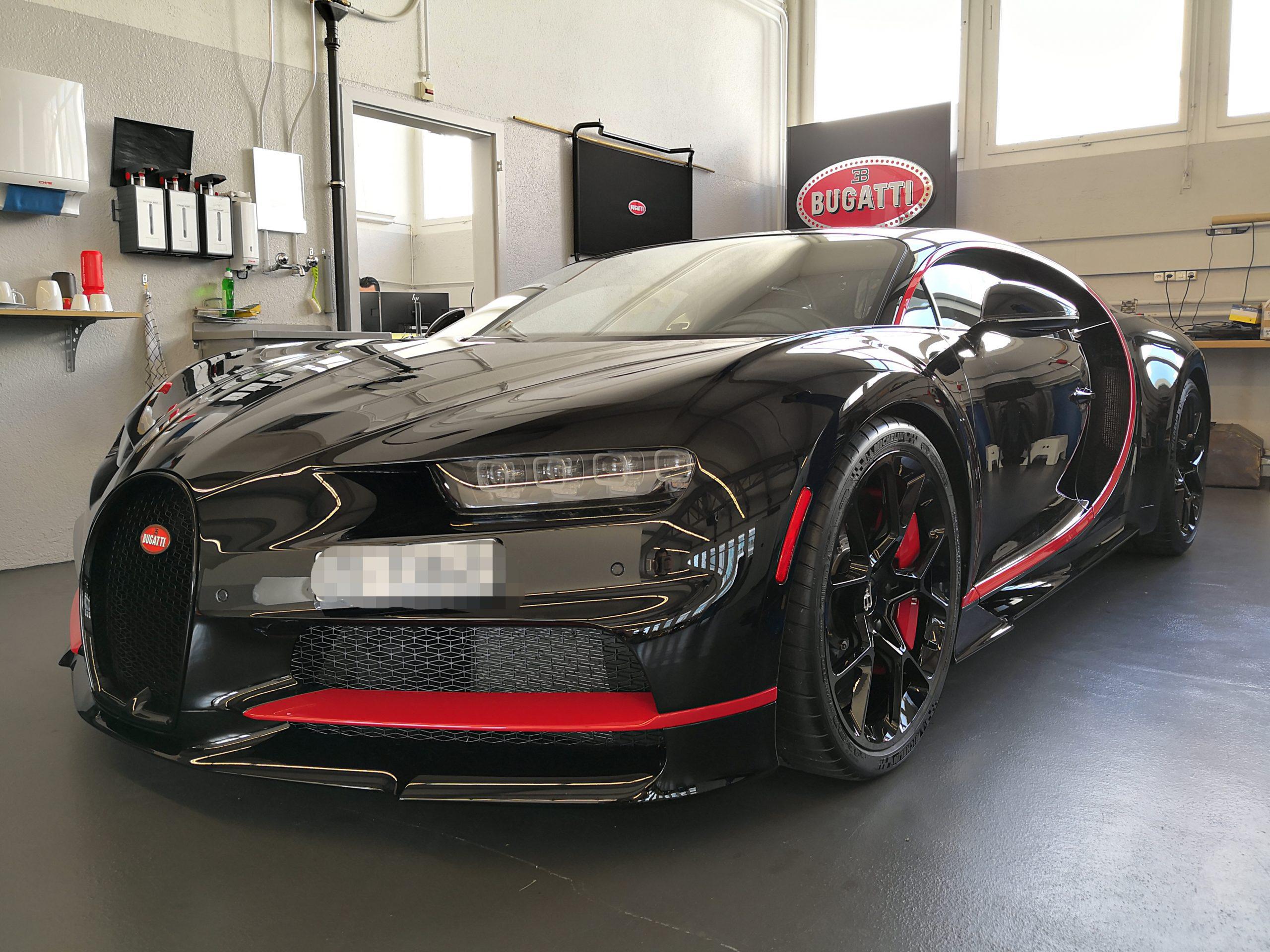 Bugatti Chiron foliert